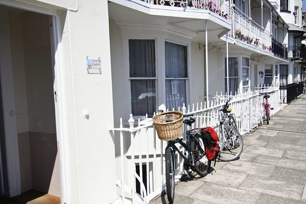 Ramsgate 42 Spencer Square with Bike